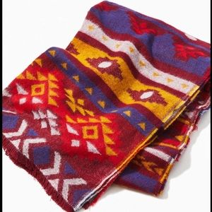 🆕NWT Urban Outfitters fringed blanket scarf
